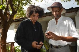 L'écrivain malgache Jean-Luc Raharimanana avec le romancier et dramaturge mahorais Nassur Attoumani (Nassuf DJAILANI)