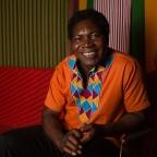 Etienne Minoungou passe la main pour continuer de «tisser le courage»